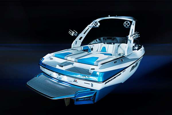 Malibu 21VLX Transom View , Illusion 3.5 Tower and Surf Gate
